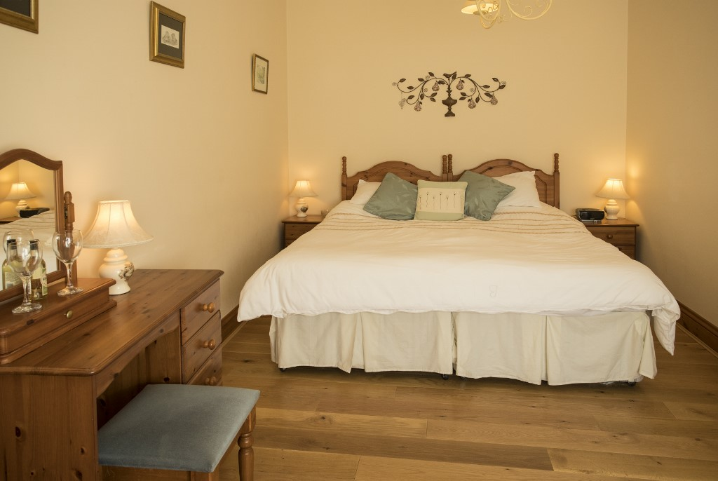 Stay in our lovely Torridge room here at Forda Farm B&B, located near to North Devon and Cornwall border. Close to Holsworthy and Bude. Ideal for singles, couples or families.