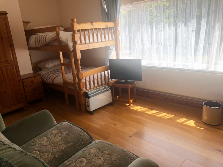Bunk beds in the Torridge room make it the perfect children's room for family holidays.