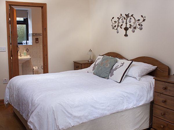 Enjoy the light and airy Tamar Room at Forda Farm, near Holsworthy.