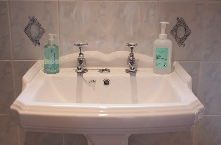 Both rooms at Forda Farm have en-suite bathrooms, making for a comfortable holiday.