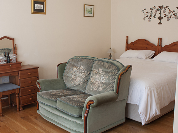 The Torridge Room at Forda Farm bed and breakfast can be a double or two singles.